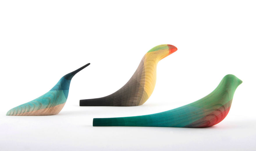 Mexican Artist Dips Wooden Birds Into Watercolor To Recreate The Look Of Local Birds