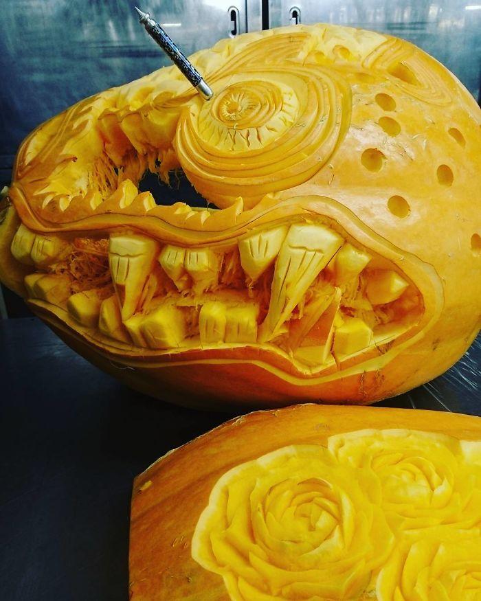 """Unbelievable food carvings by japanese artist """"gaku"""