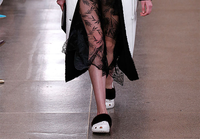 furry-crocs-christopher-kane-020