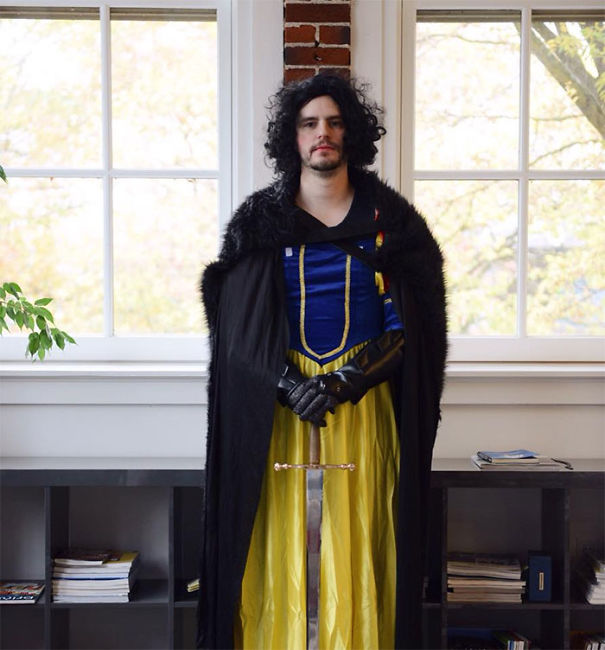 Meet My Sister's Coworker, Jon Snow White!