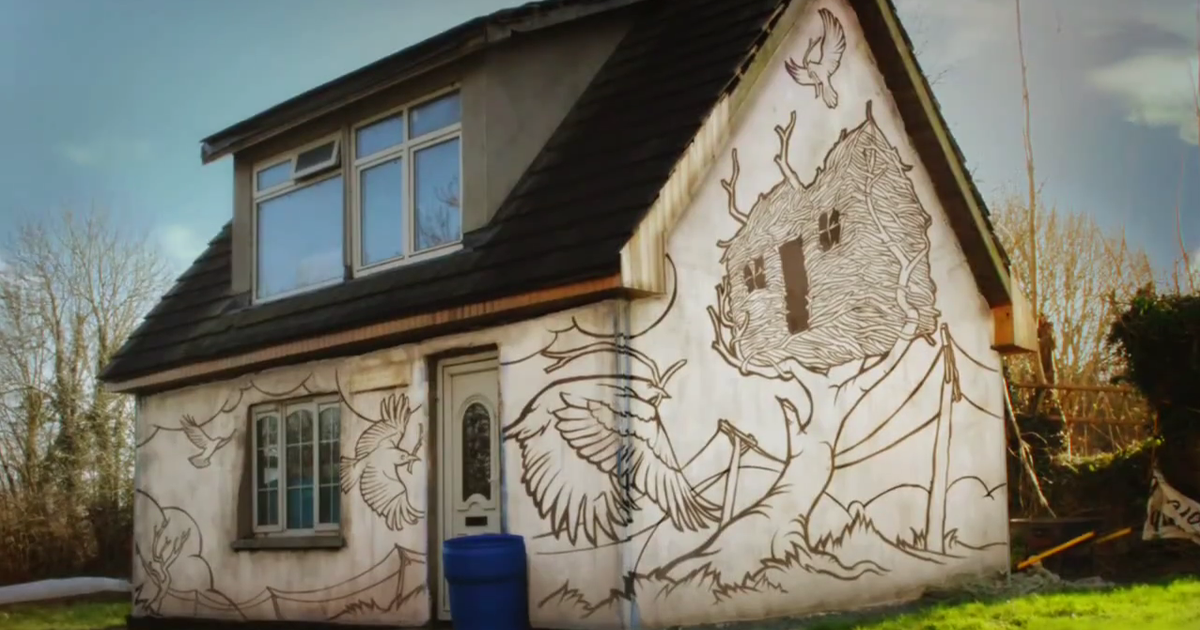 Artist Paints His House In Stop Motion