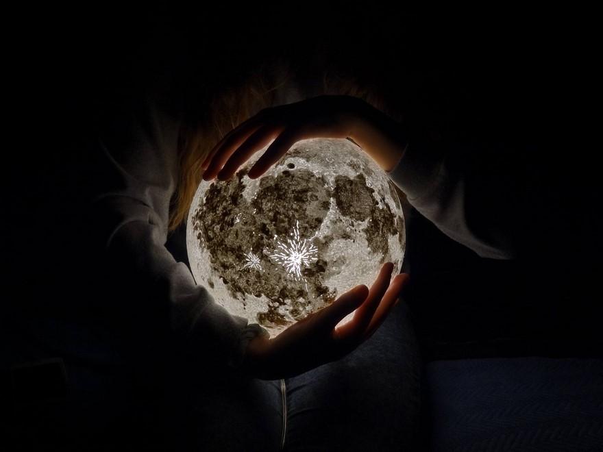 moon-lampe-pulsarmoonlight-4