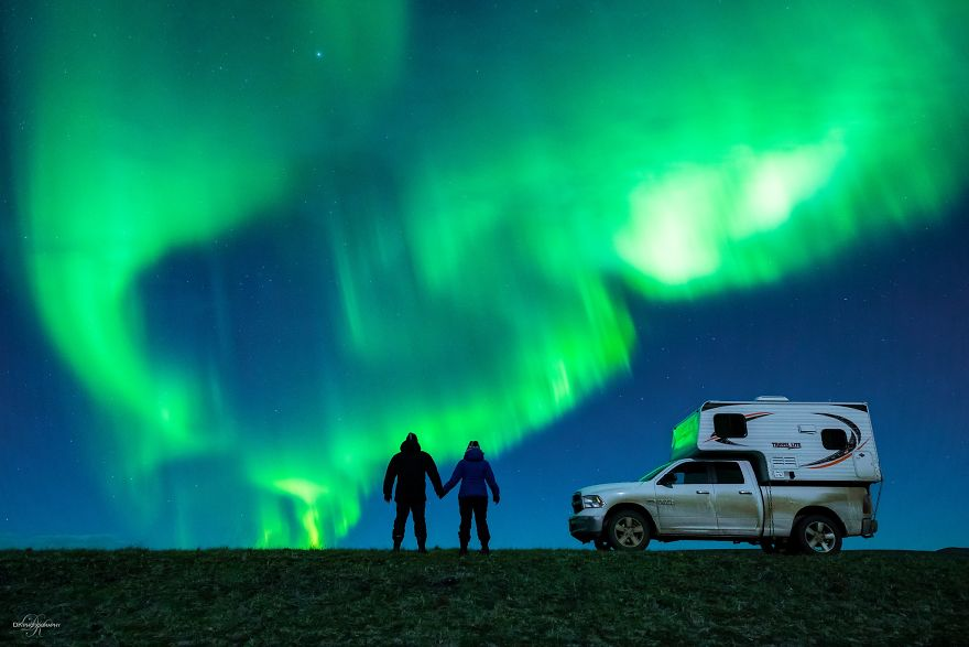 Photographer Proposed To His Girlfriend Under The Northern Lights And The Photos Are Breathtaking