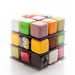 Rubiks-cube-cake-pastry-cedric-grolet
