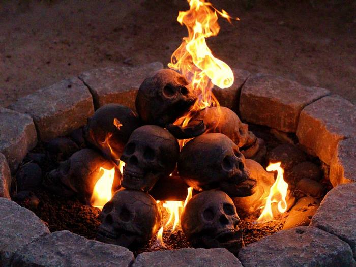 skull-fire-pit-formation-creations-15