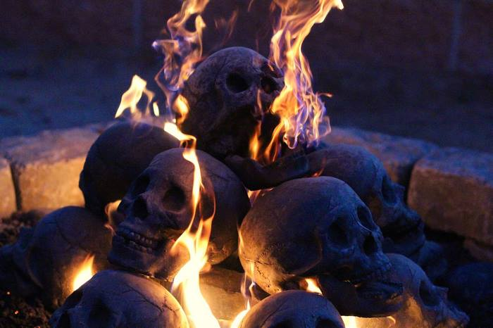 skull-fire-pit-formation-creations-2