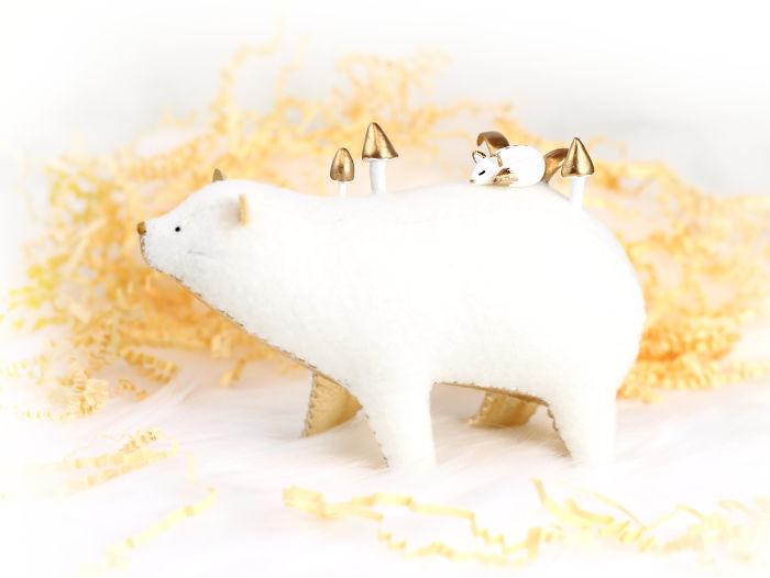 Soft-sculpture-bears-pastyourporchlight