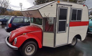 """Curiosos Volkswagen Beetles de los 70 transformados en casas móviles o """"bug campers"""""""