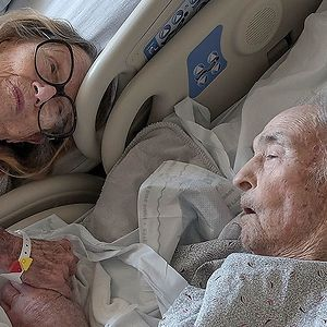 Hospital Makes Exception And Allows Couple Married 73 Years To Be Together In Same Room