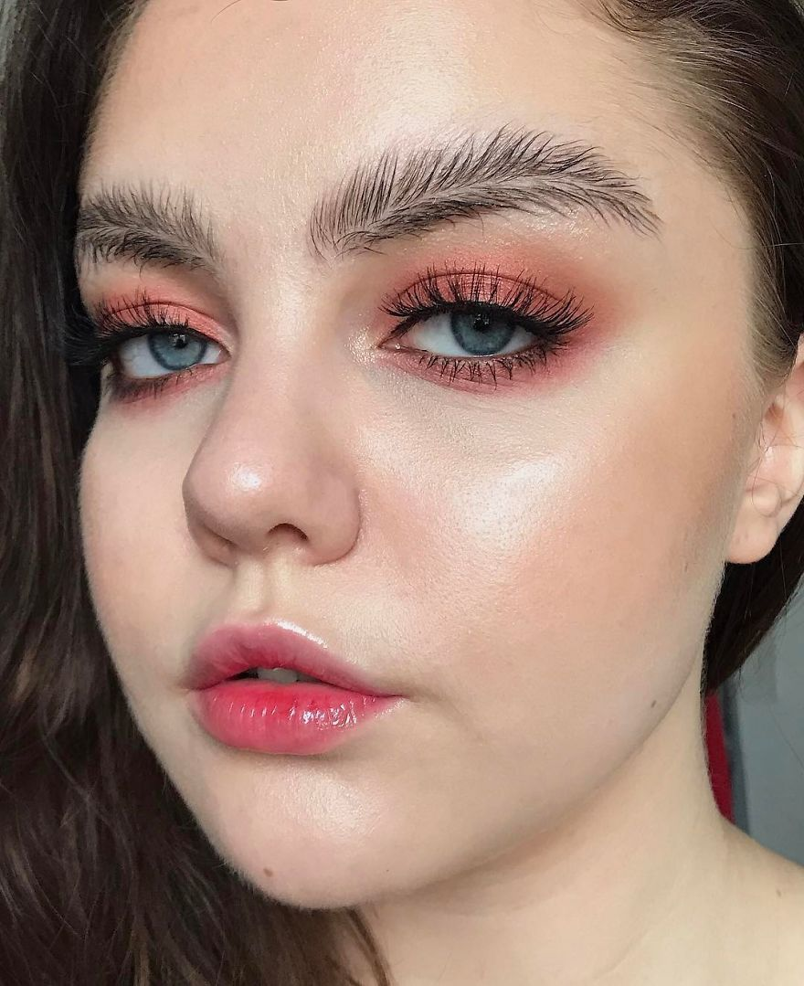 Feather Brows Is The Newest Trend Nobody Expected Bored Panda