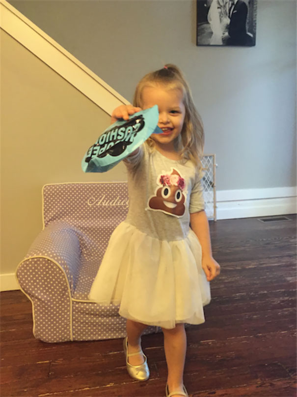 3-year-old-girl-poop-birthday-party-audrey-5