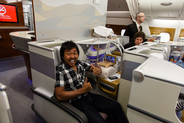 While People Are Getting Violently Removed Of An United Flight , I Got Upgraded To Business Class On A Emirates Flight When My Flight Got Overbooked