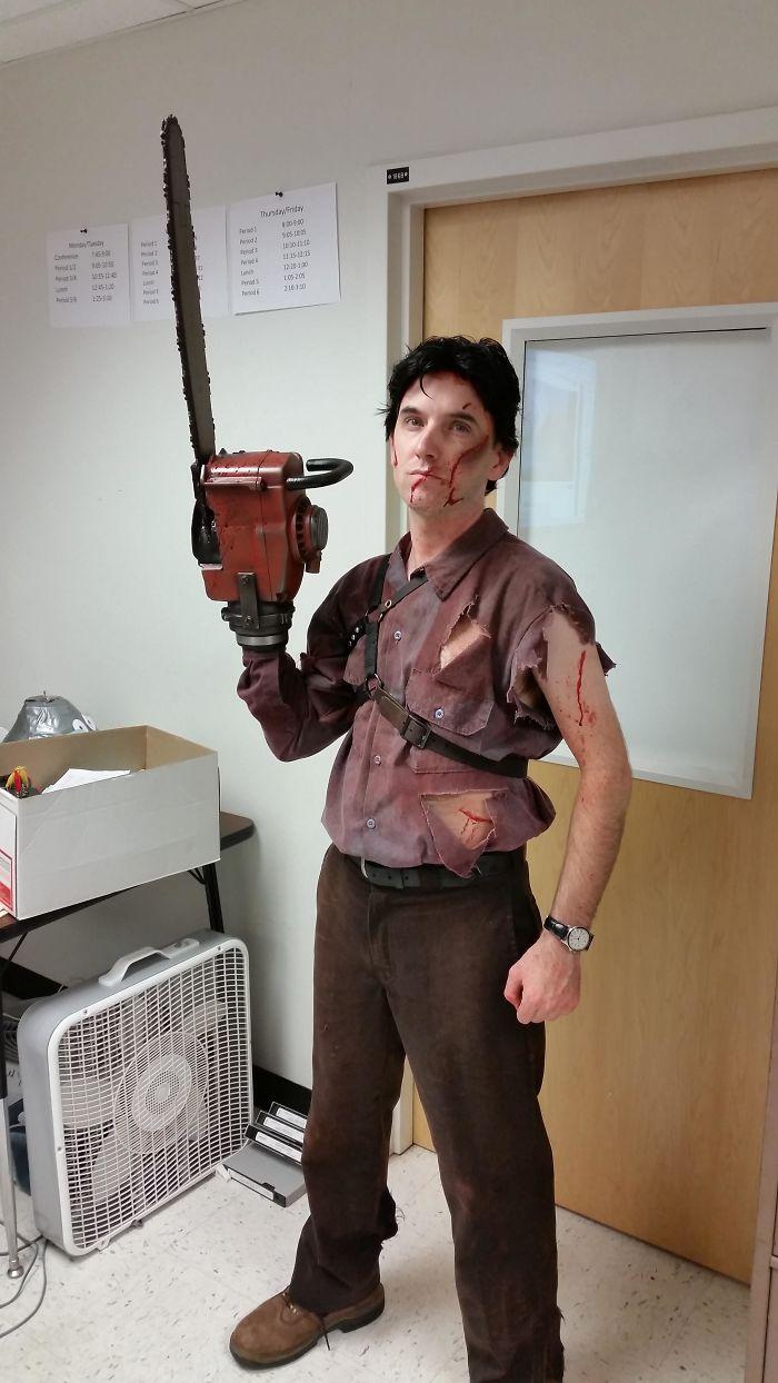 Mi profesor de ingeniería se hace sus disfraces a mano