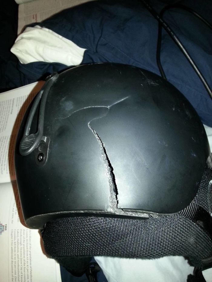 helm rusak