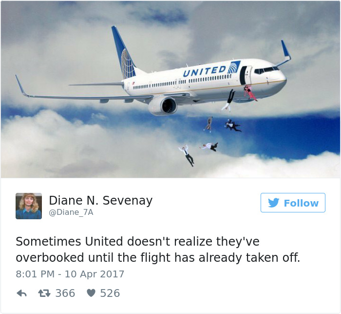United Knows How To Deal With Overbooked Flights