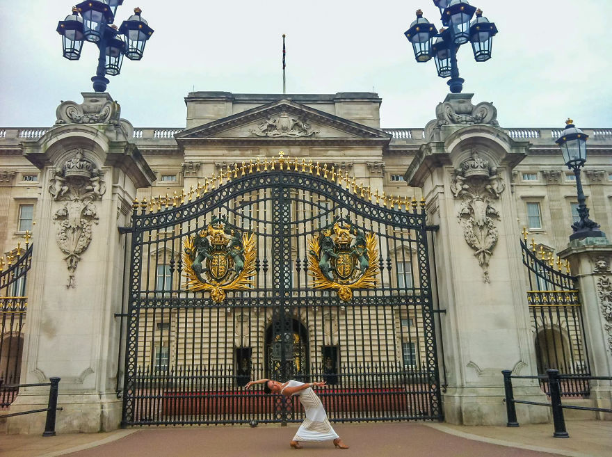 London, England At Buckingham Palace. Photo Credit Random Tourist