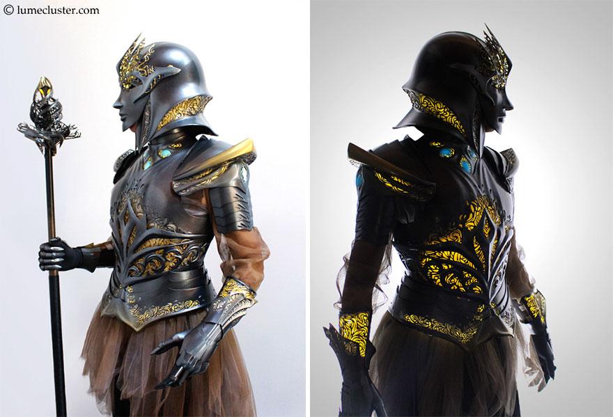 He pasado 518 horas creando esta armadura medieval futurista que es ...