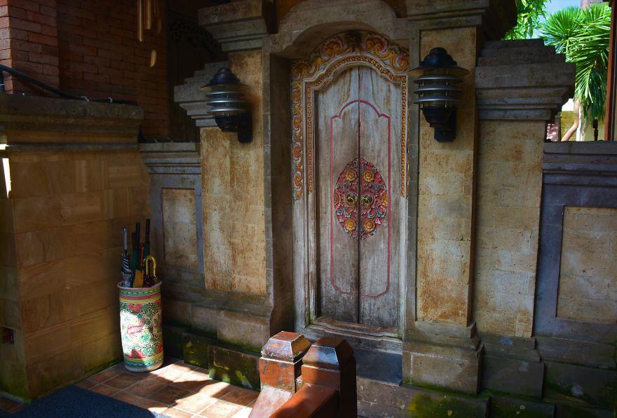 19 Beautiful Doors & Gates Of Bali