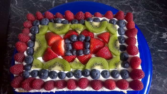 A Cake For No Reason. Vanilla Cream And Fruits. Tasty :)