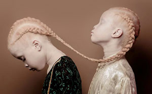 Albino Twins From Brazil Are Taking The Fashion Industry By Storm With Their Unique Beauty