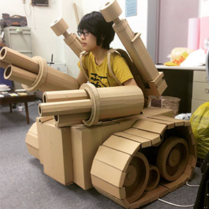 Japanese Cardboard Artist Turns Old Amazon Boxes Into Tanks, Food And Other Incredible Sculptures