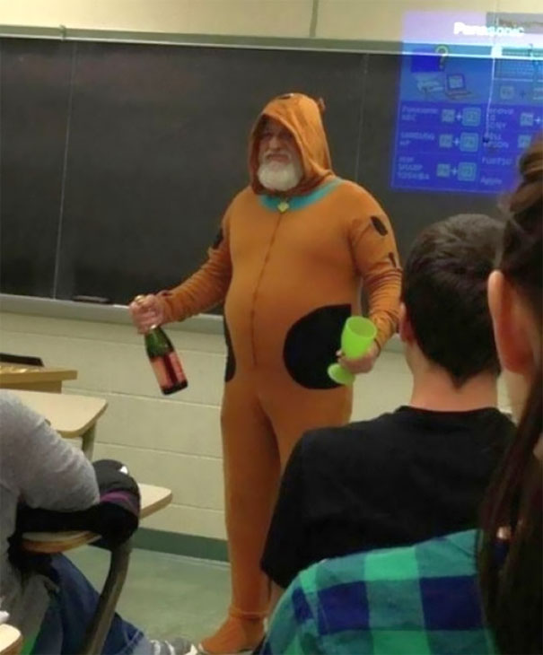 Teacher Promises If Whole Class Get's An A On Test, He'll Wear A Scooby Doo Costume And Bring A Kid's Champagne. Class Did Their Best, He Came As Promised