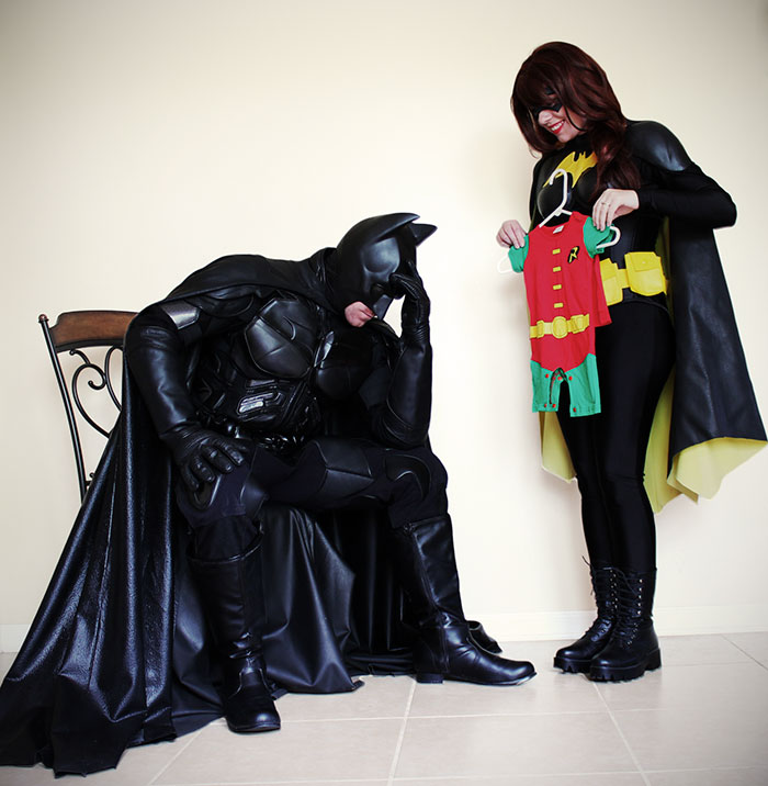"""Couple Announces They're Expecting """"A Sidekick"""" As Batman And Batgirl, And Their Pics Are Going Viral"""