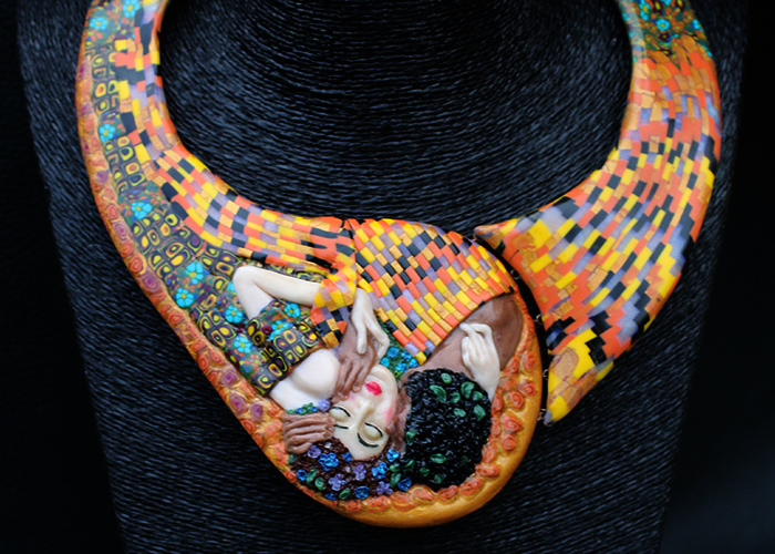 """The Kiss"" Necklace, Featuring The Art Of Symbolist Painter Gustav Klimt"