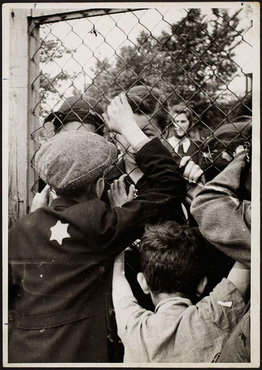1940-1942: Lodz Ghetto Prison At Czarnecki Street, A Rallying Point Before Deportation
