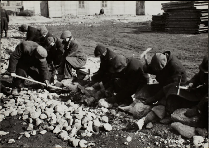 1940-1944: Workers Breaking Rocks