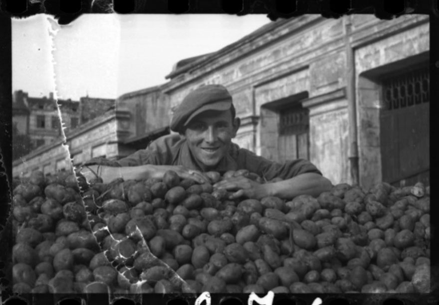 1940-1944: Delivery Of Potatoes To The Ghetto