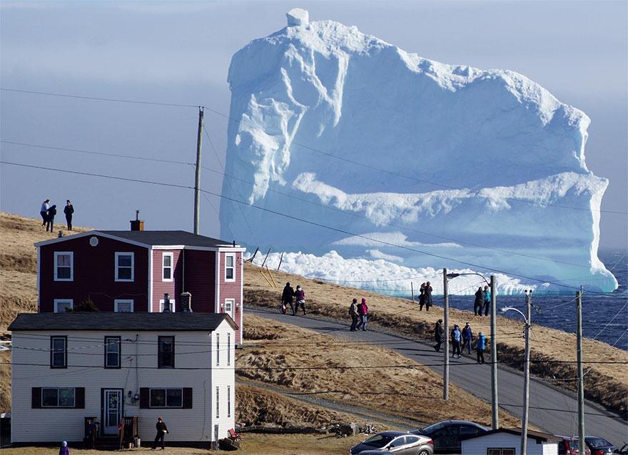 huge-iceberg-alley-canadian-coast-10