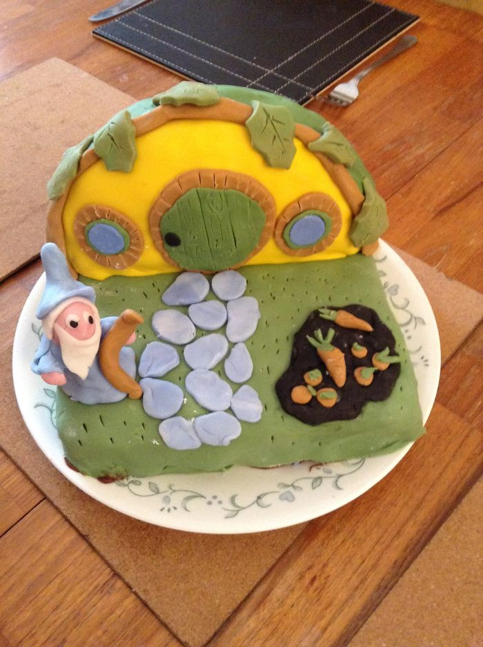 Gandalf At Bilbo Baggind House Birthday Cake