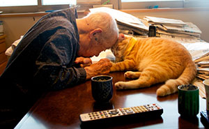 I Got A Cat For My Sick And Grumpy Grandpa, And He Turned His Life Upside Down