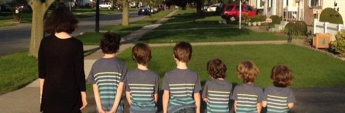 Phoebe Kannisto dan 6 anak laki-lakinya