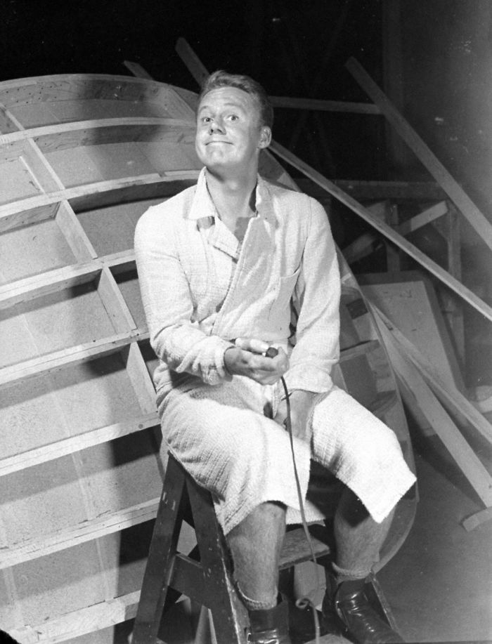 Actor Van Johnson, 1940s