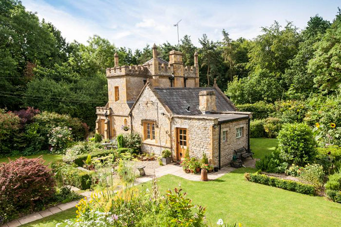 England's Smallest Castle Is For Sale And It Costs No More Than A Mid-Sized Flat In London