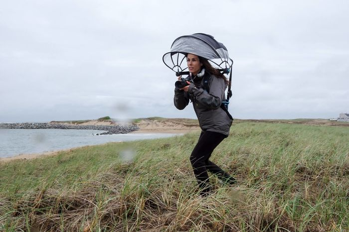 Innovative Hands-Free Umbrella That Keeps Your Camera Dry