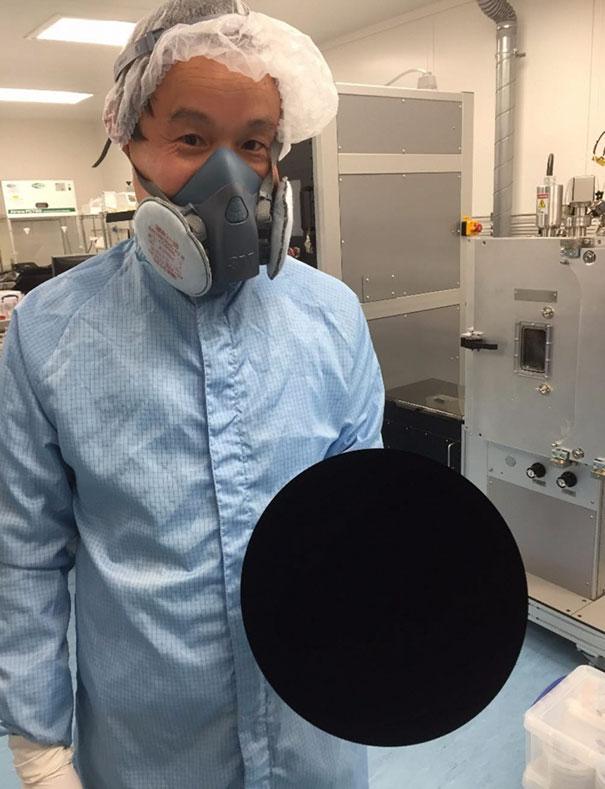 world-mattest-black-art-material-black2-stuart-semple-01