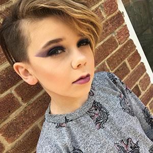 Este niño de 10 años se convierte en la sensación de internet por sus increíbles habilidades con maquillaje