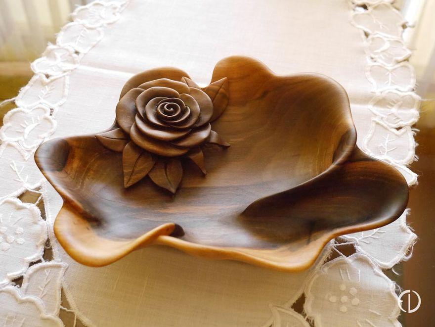 Walnut Bowl 'Rose'