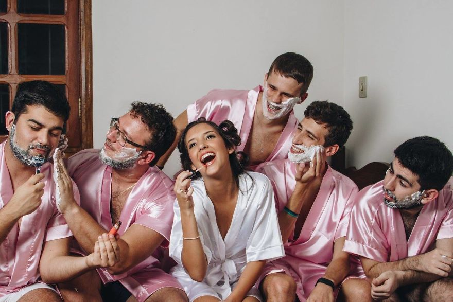 Bride Who Is A Computer Engineer Doesn't Have Any Girlfriends, So She Invites Her Bros Instead