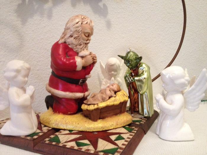 Le regalé a mi padre este ornamento de Yoda, y este año lo cogió mi madre para esto