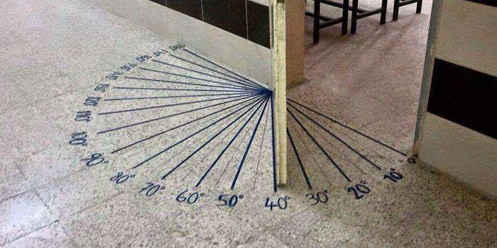 La puerta del aula de matemáticas