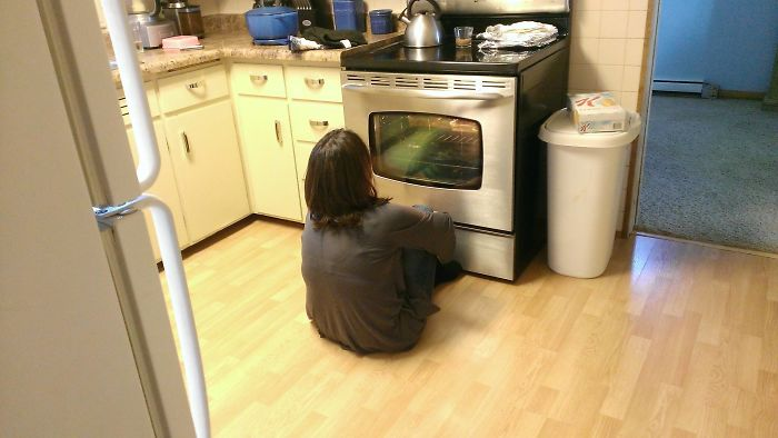 Mom Got Her First Windowed Oven