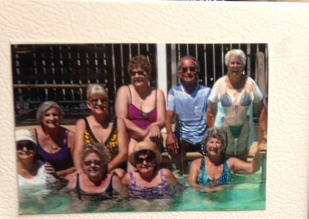 """My Grandpa Kept Telling Me That He Had 8 """"Gal Pals"""" At His Senior Home. I Didn't Believe Him Until I Saw This Picture Hanging Up On His Fridge"""