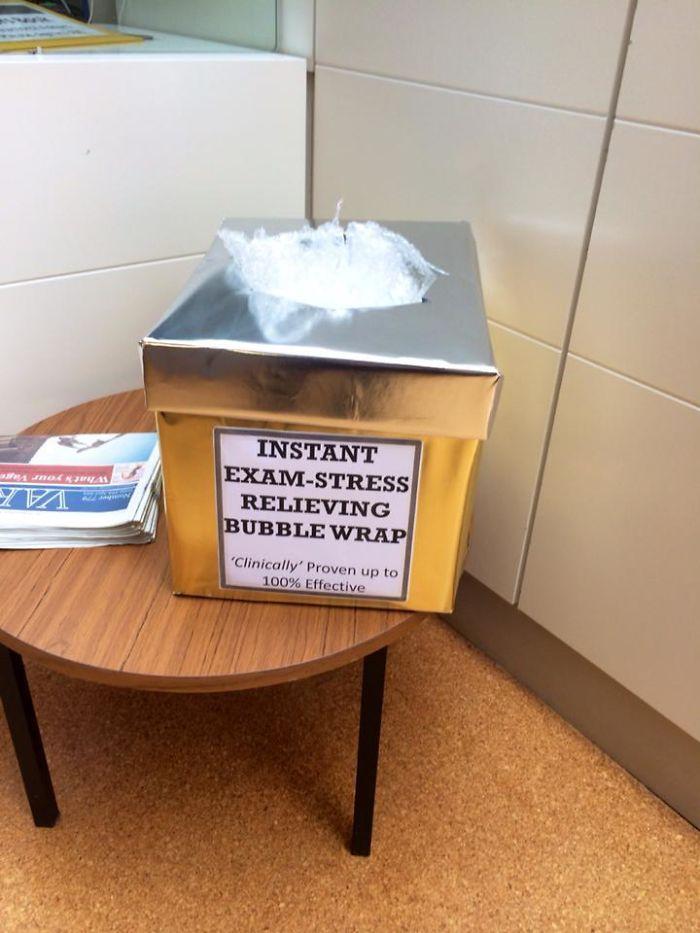 Plástico de burbujas para aliviar el estrés de los exámenes