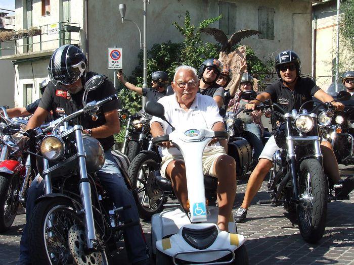 A mi abuelo italiano le da igual todo