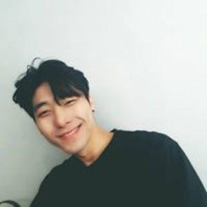 Kangbin Lee