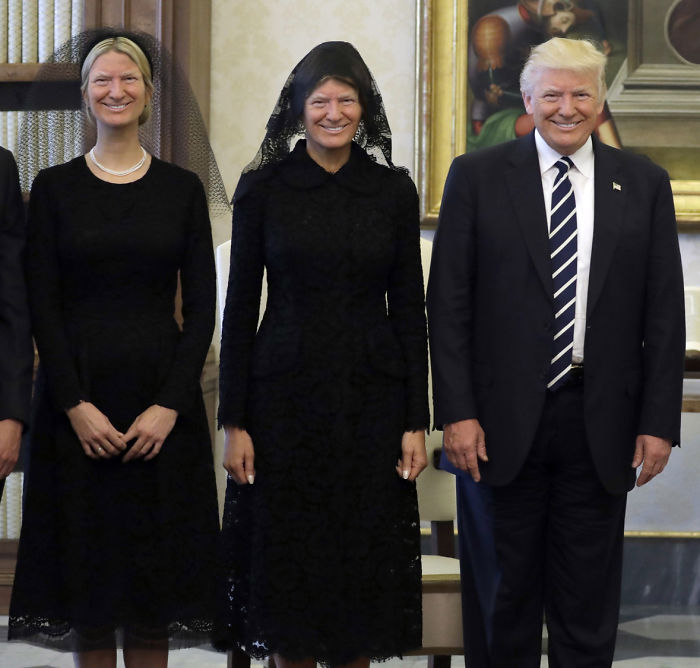 59267847038b8_93216puvhhzy__700 10 of the funniest reactions to super sad pope meeting the trumps,Trump Family Meme